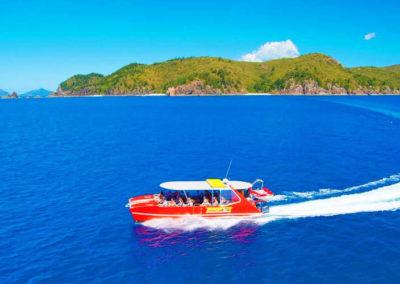 white speedboat 1